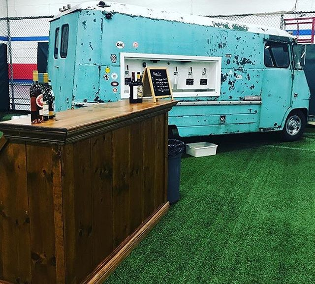 Does anything go better with FREE tacos and ice cream better than drinks from @tappedbeertruck?! Stop by the Block Party with Mark Development in West Newton THIS Saturday: we'll have something for everyone with beer from @medusabrewing, cider from @downeastcider, and wine from @90pluscellars! Find more details via the link in our bio! 📸: @tappedbeertruck