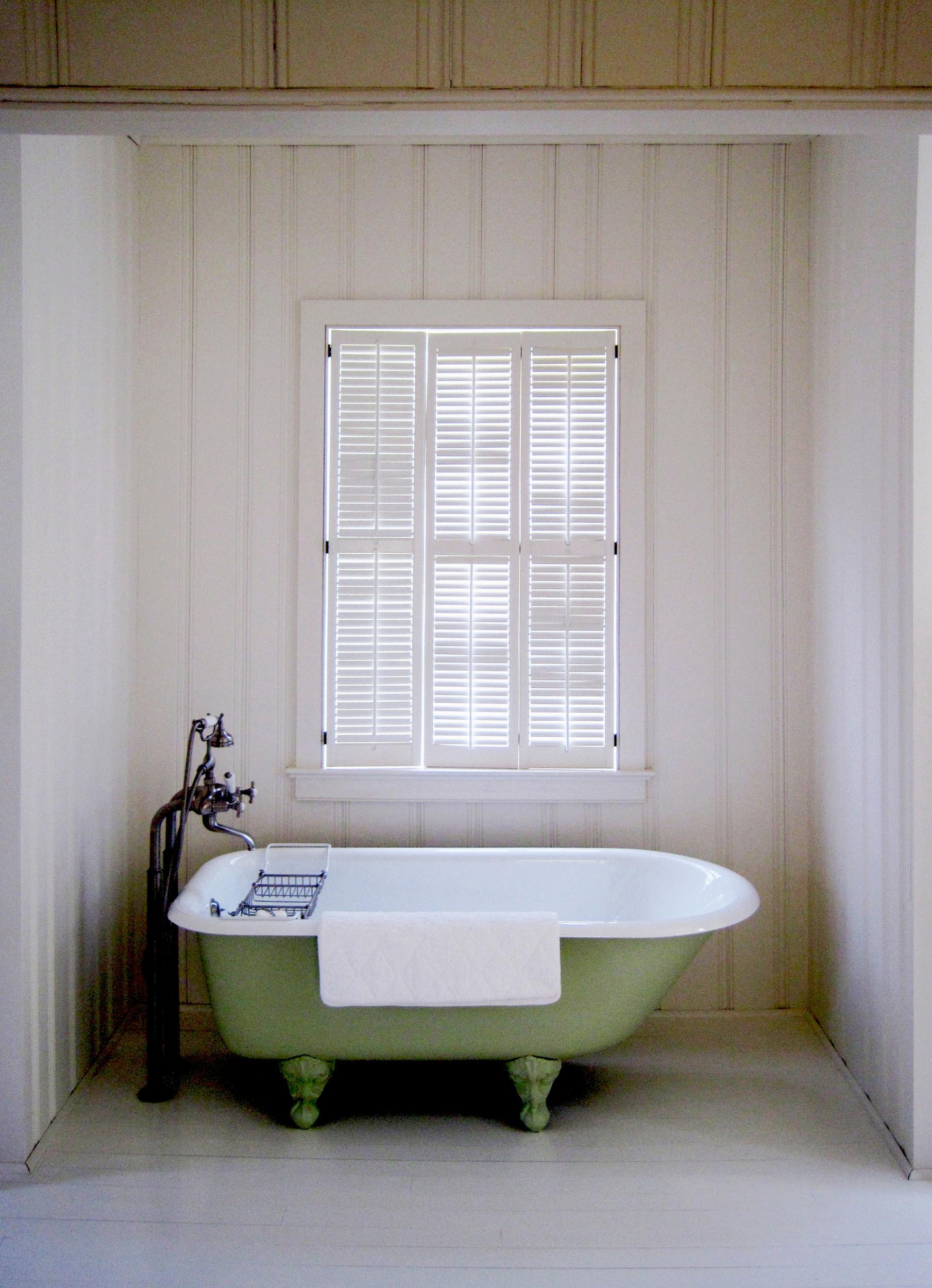 Carpenter - Master Tub.jpg