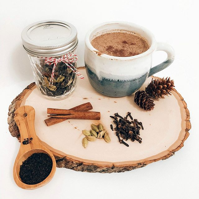 On Saturday, November 9th we'll be taking over the @gingiber studios for a FIVE WORKSHOP blitz from 9am to 4pm. The beautiful @tramcolwinart will be sharing her homemade chai tea recipe she learned during her time in Assam, India! You'll get to put together a jar of your own ingredients to keep for yourself or gift to a dear friend this holiday season! Also, @begoodnatured, @amberperrodin, @mayweflydesign, and @gingiber will be leading workshops to get you in the holiday spirit! Only 6 spots left for this special one day retreat! Grab a friend and join us today!