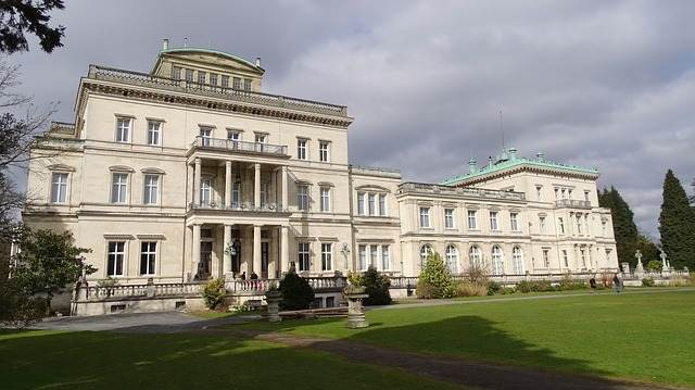 SIGHTSEEING IN Essen -