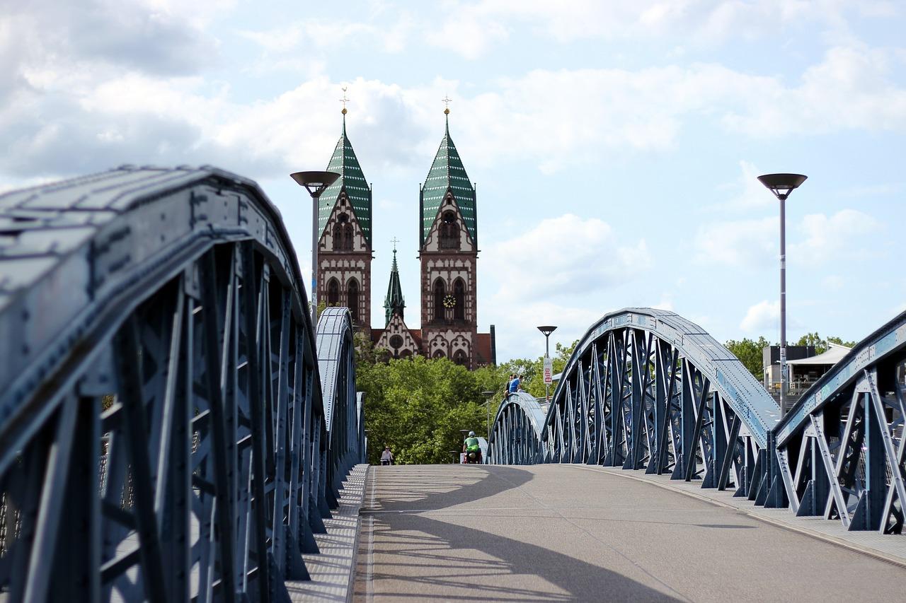 SHOPPING UND KULTUR IN Freiburg -