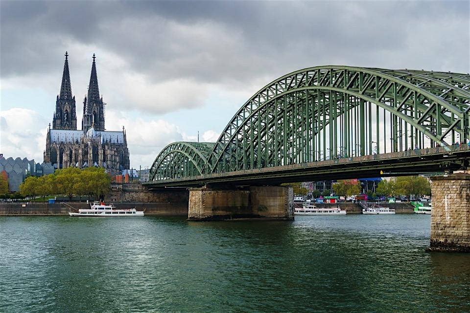 SIGHTSEEING IN Köln -