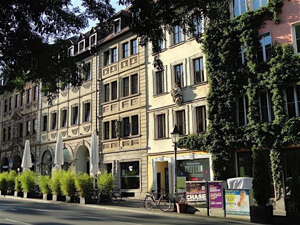 SHOPPING UND KULTUR IN Würzburg -