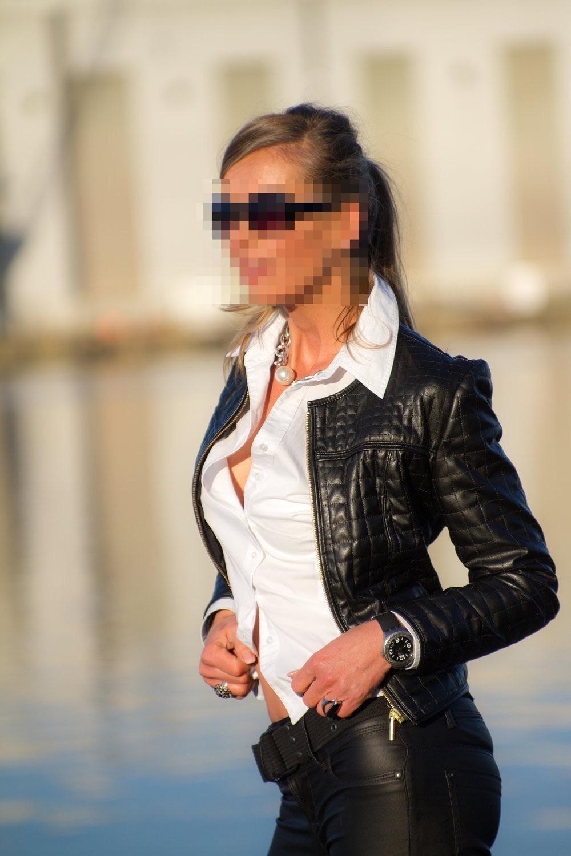 escort-flensburg-lady-madeleine-perfect-date-escort-003-2.jpg