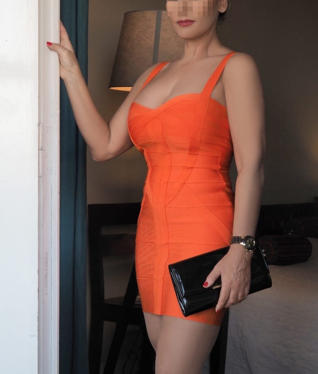 lady-valerie-aus-karlsruhe-perfect-date-escort-008-2.jpg