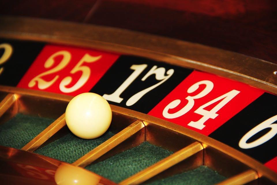 Ausgehen UND KULTUR IN Baden-Baden - Erst ins Casino? Mit etwas Glück können Sie dann mit Ihrer Escort Lady ausgiebig Shoppen gehen…
