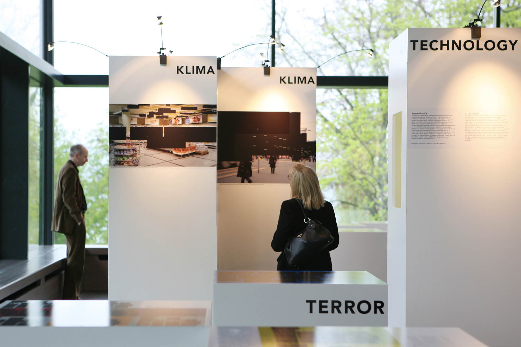 Signito_SwissRe_Ausstellung06.jpg