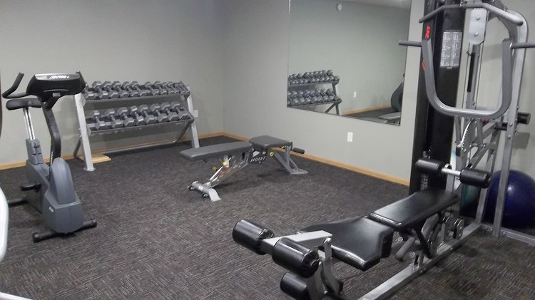 Grand-Gateway-Apartment-Homes-Fitness-Center.JPG