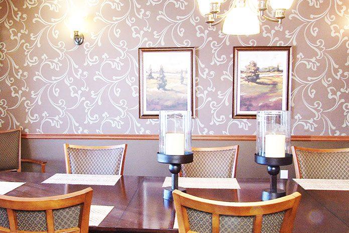 dining-695x463.jpg