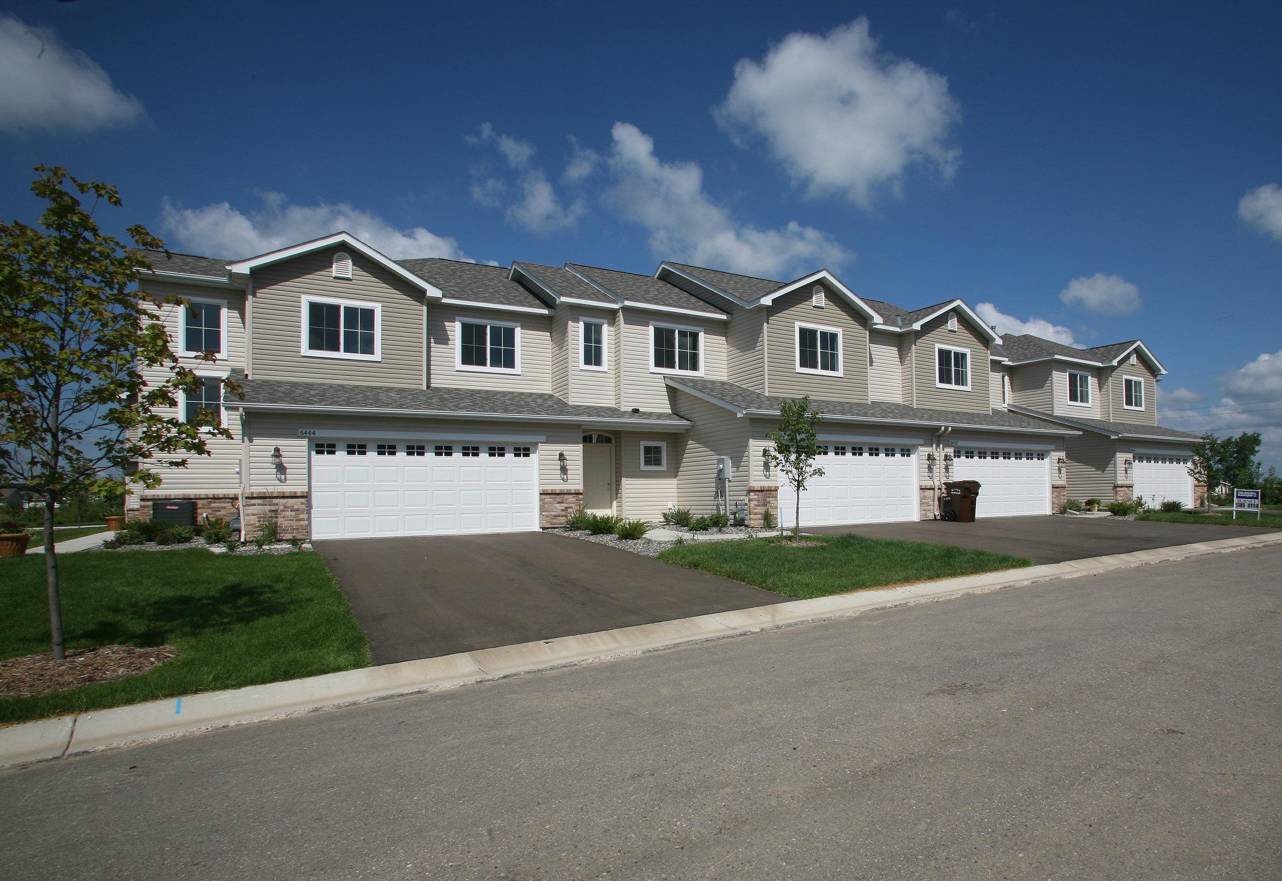 Karston Cove Townhome  Albertville, MN