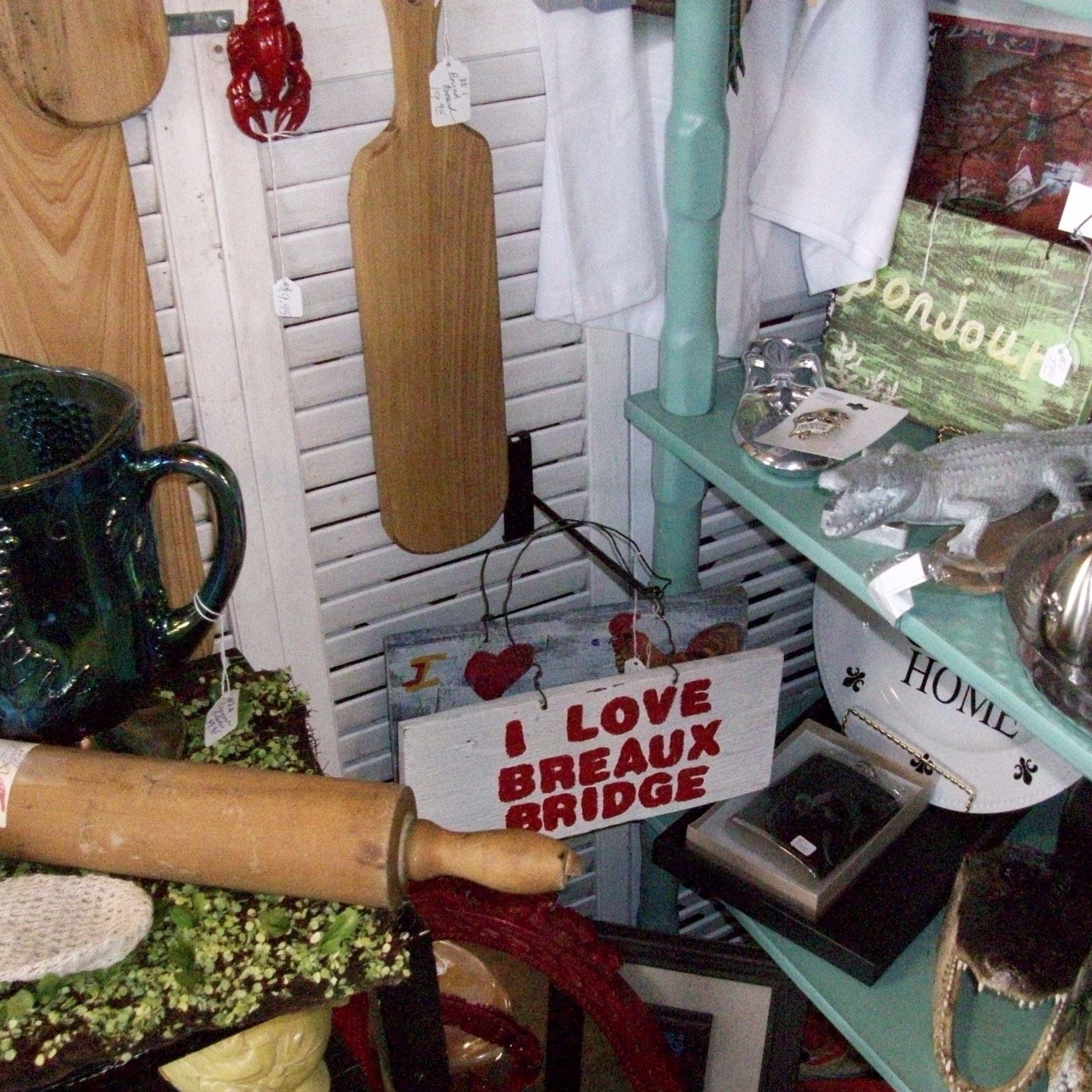 Lyn Roy - Louisiana souvenirs and antique items