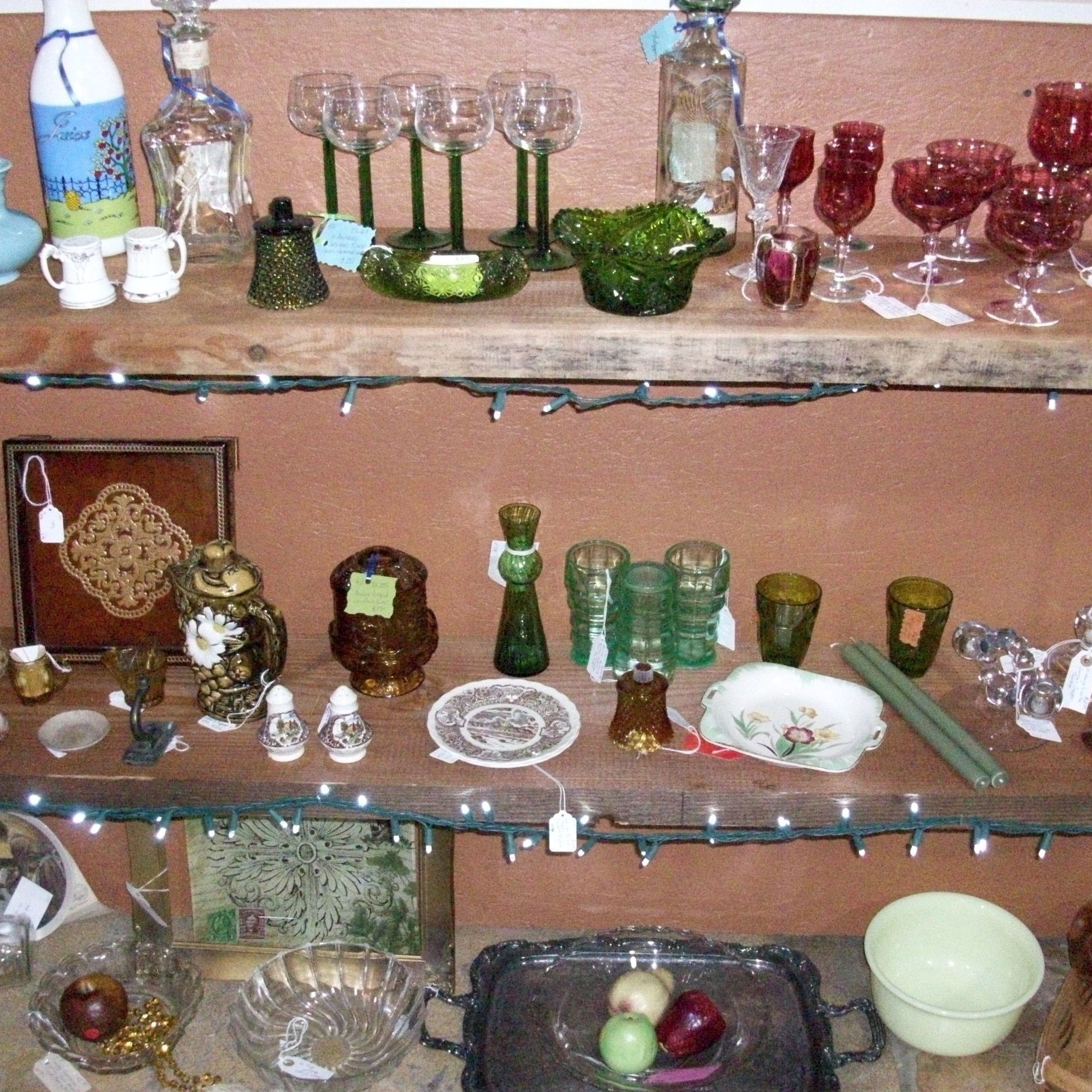 Rogers & Kellner - Vintage glassware and clothing