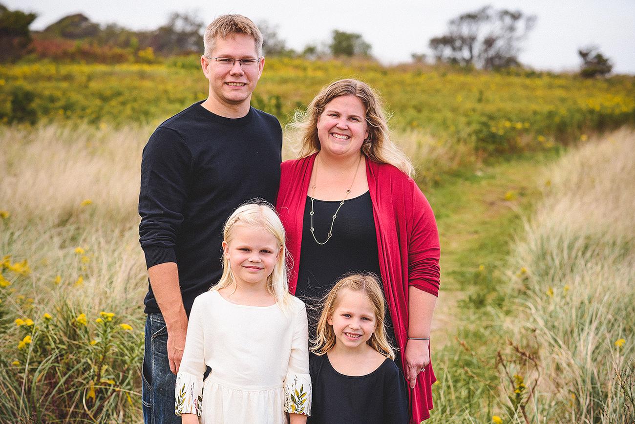 JMP_familyportrait_003.jpg