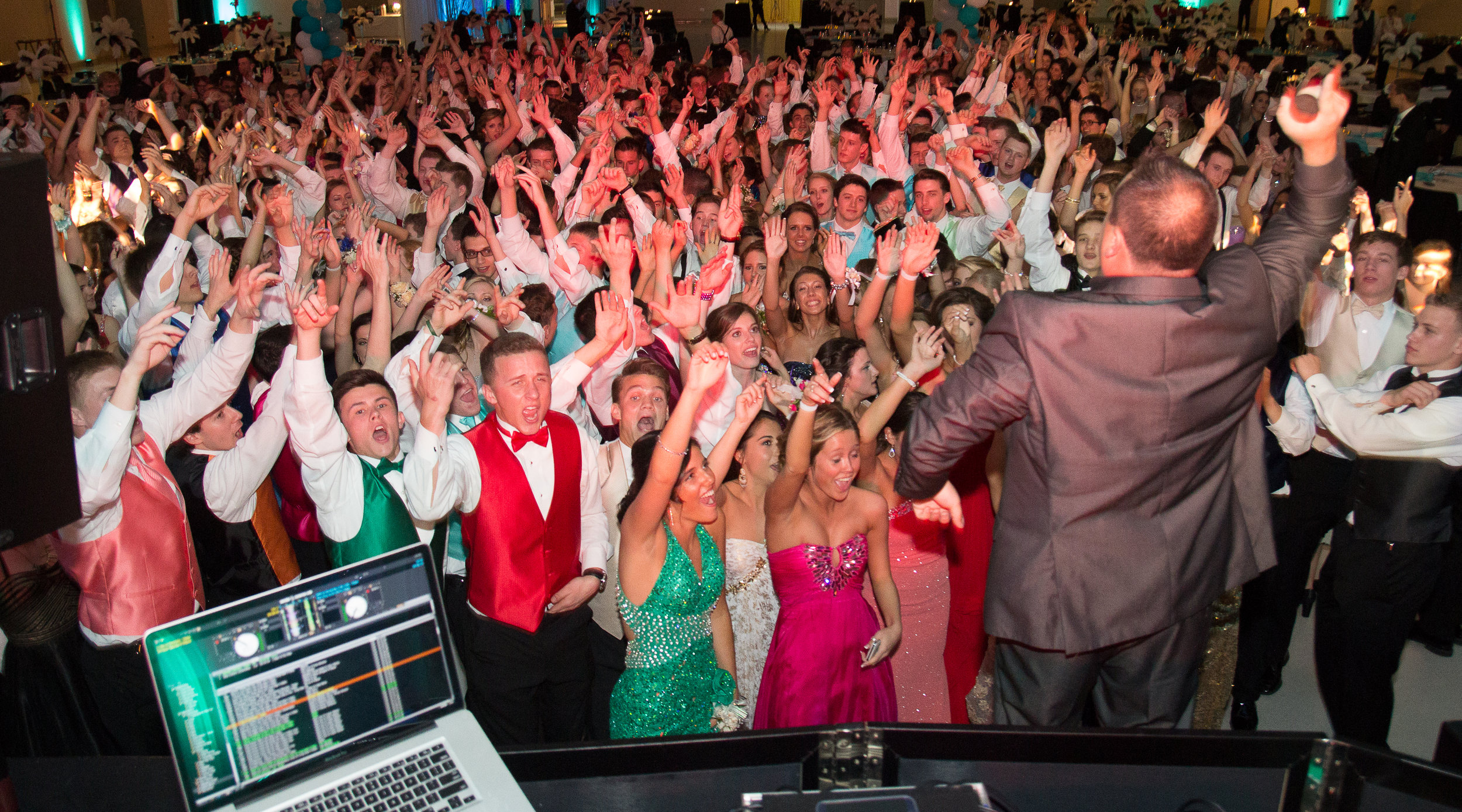DJ Services that leave everyone talking about how much fun they had.