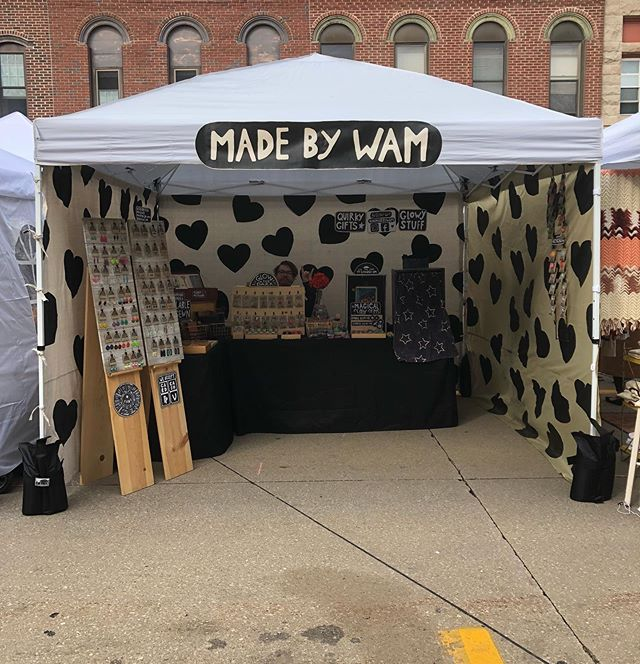 Out at the @statestreetmarketgeneseo ✨✨ Our first fair in the Midwest!! (We were gonna wait til spring to start vending again, but here we are. 🤣Oops!)