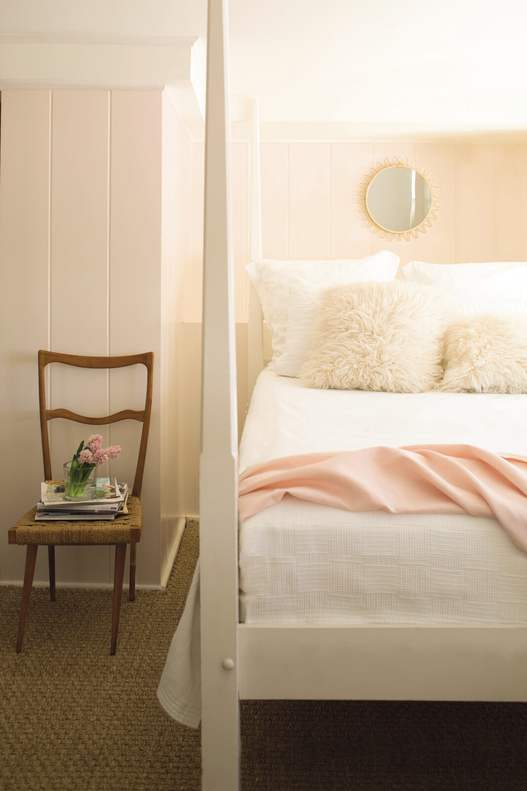 Pale_Pink_Bedroom_with_White_Bed.jpg