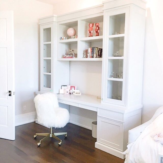 Cute Daughter's Room Desk and Cabinet Combo🌹