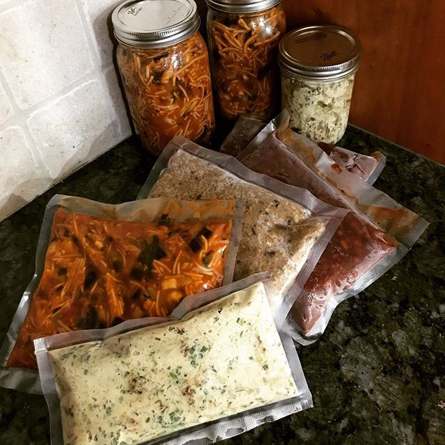 Some days I spend meal prepping to make life a little easier when weeks get hectic! Having these babies in the freezer keeps me from resorting to other convenience foods. Now for dinner, I can grab some white bean quinoa risotto, green tahini cauliflower, or eggplant bolognese! #freezer #prep #lifehacks #mealprep #freezermeals #cooking