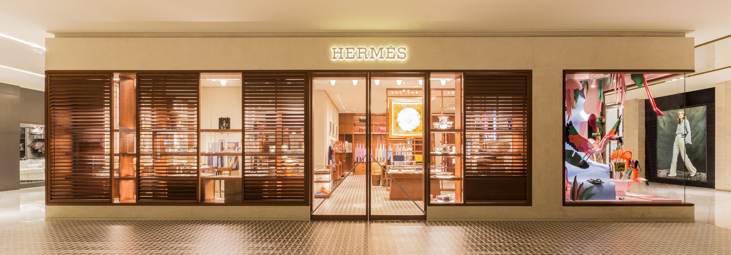 HeavyEyes_HermesBrazil_window3.jpg
