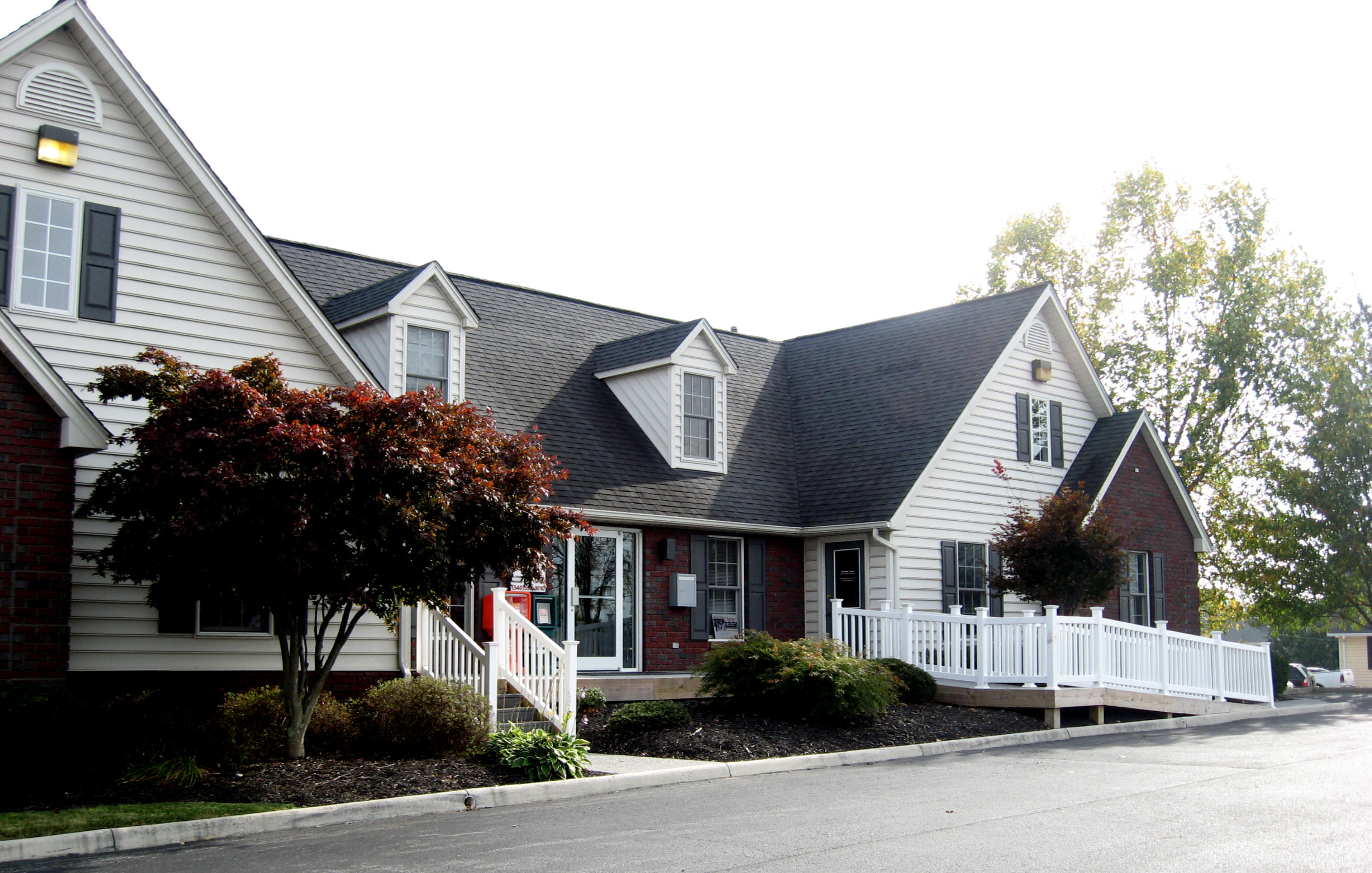 3601 Holiday Lane_Long and Foster_3.jpg