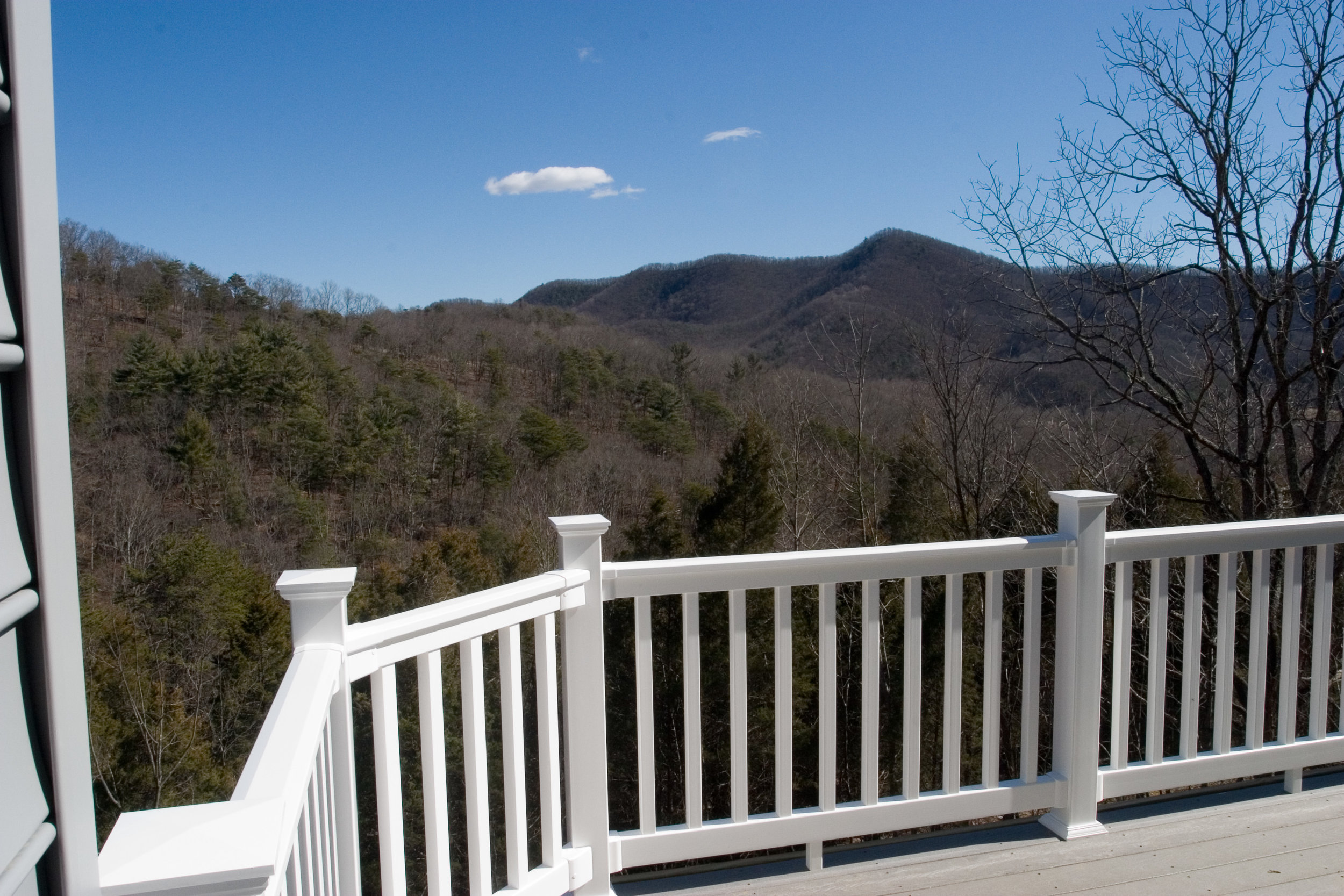 03 Mountain Side Drive View 2.jpg