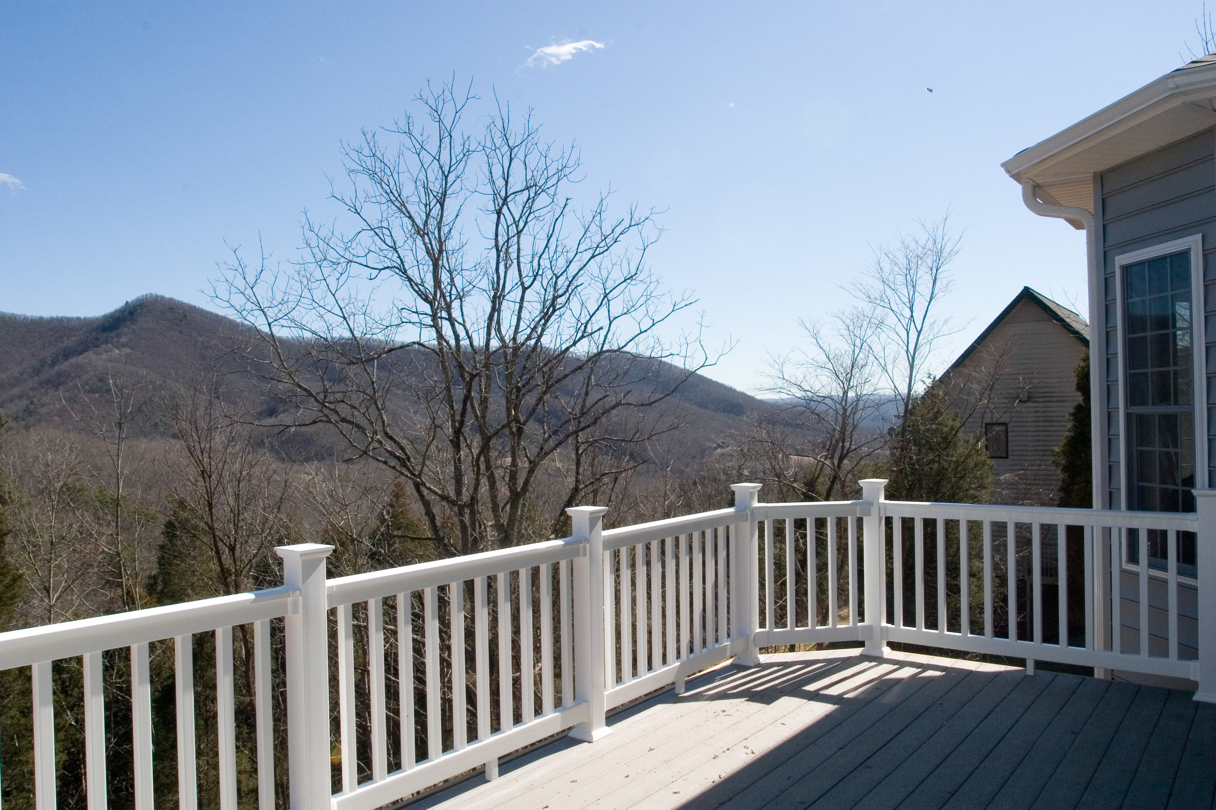 02 Mountain Side Drive View 1.jpg