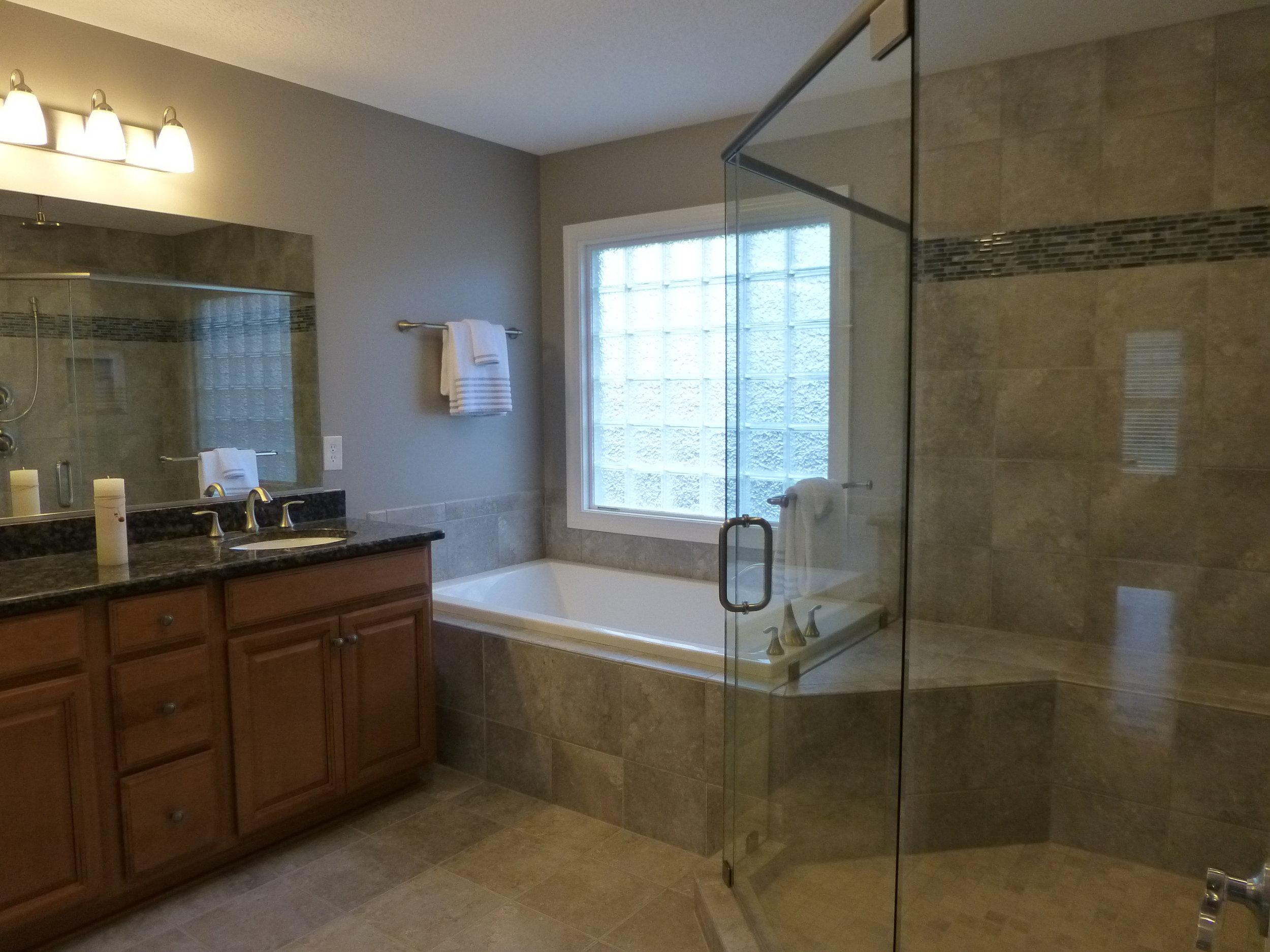 09 Kentwood Master Bath.JPG
