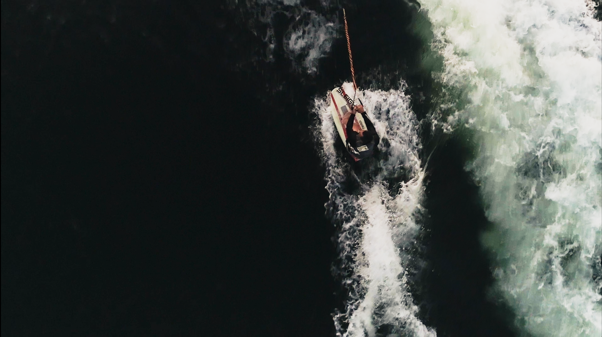 Drone-Wakeboarding-overhead.png