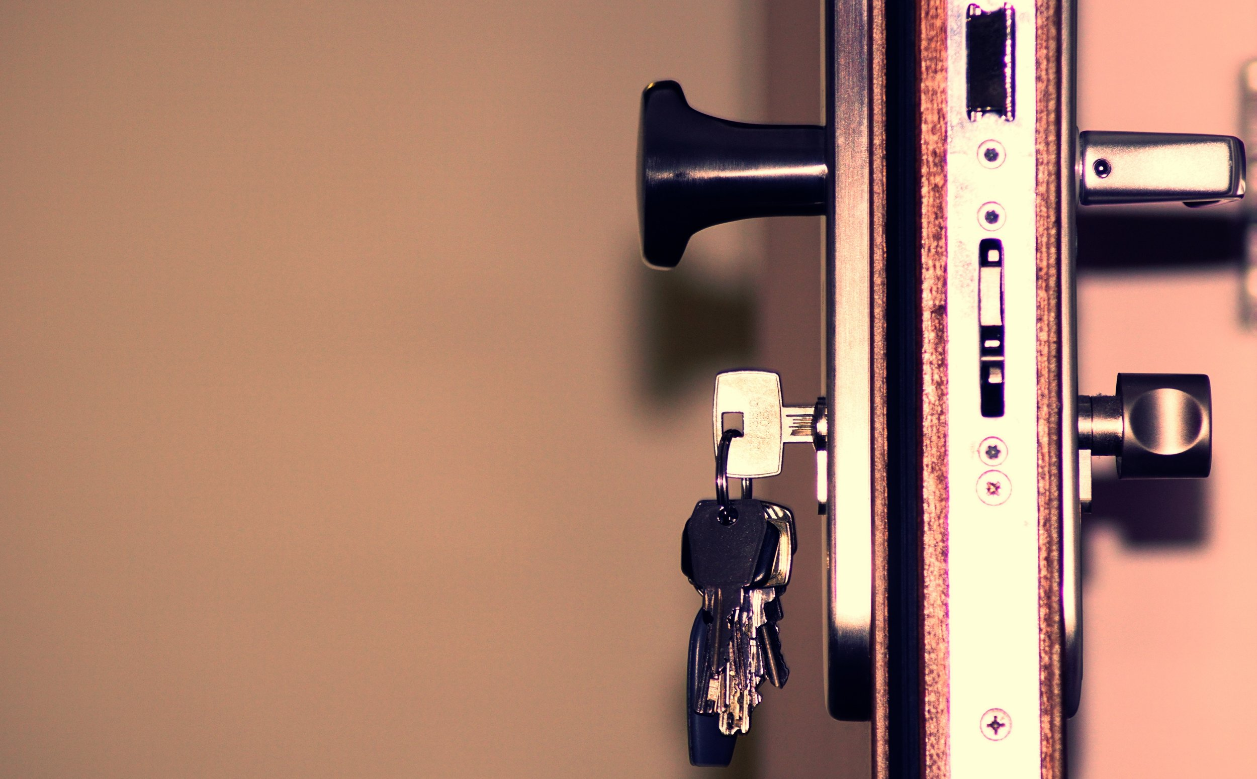 access-close-up-door-792034.jpg