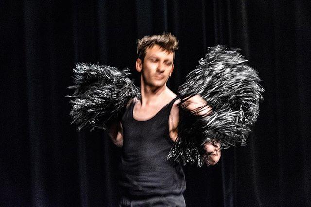 performing DANCING next Wednesday March 27th @kunstencentrumnona #mechelen #dans #koendepreter #solo (c) Ilse Philips