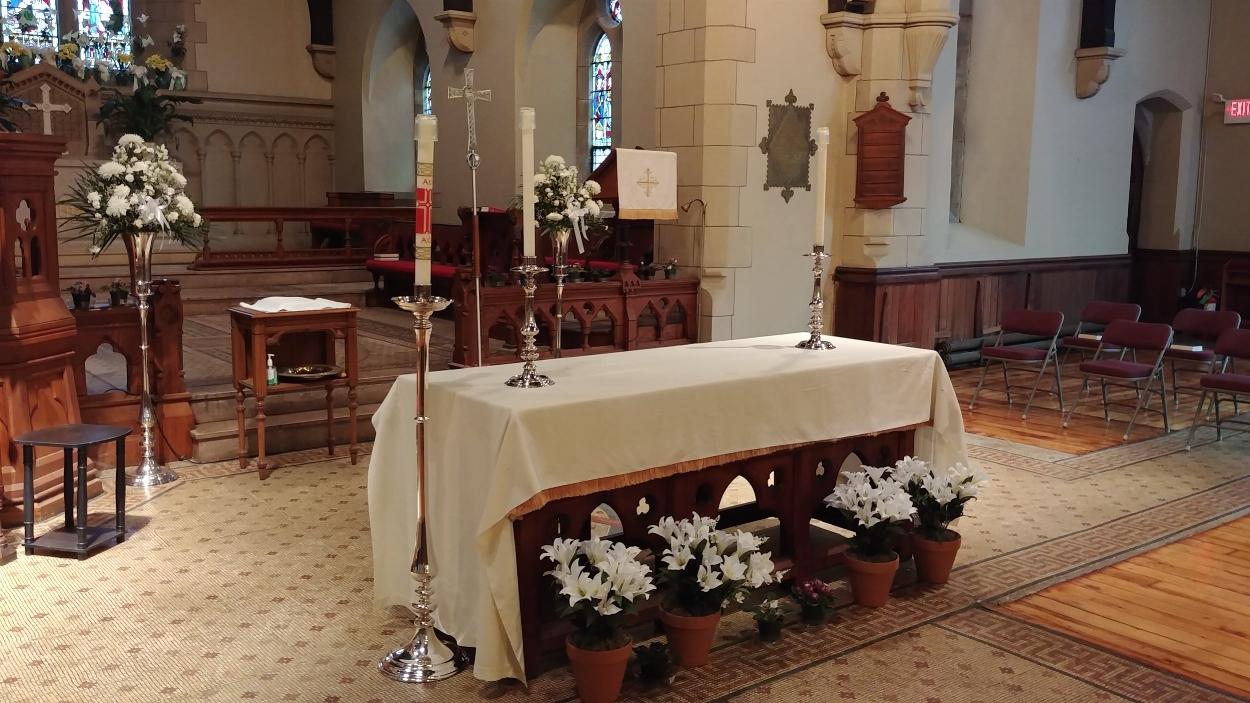 East Campus Altar, Easter Season
