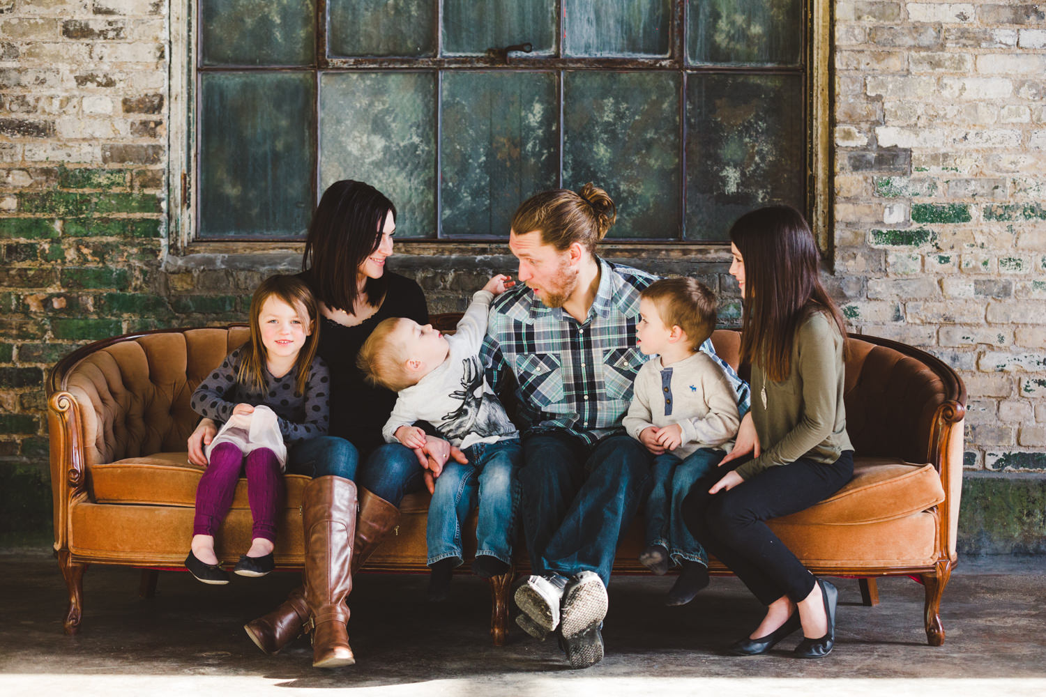 okanagan-family-photography-top-kelowna-family-photographer-large-family-photographer-julie-dorge (3 of 20).jpg