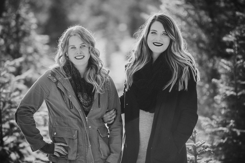 kelowna-christmas-tree-farm-family-photography-okanagan-winter-family-photographers-julie-dorge-photography (25 of 33).jpg