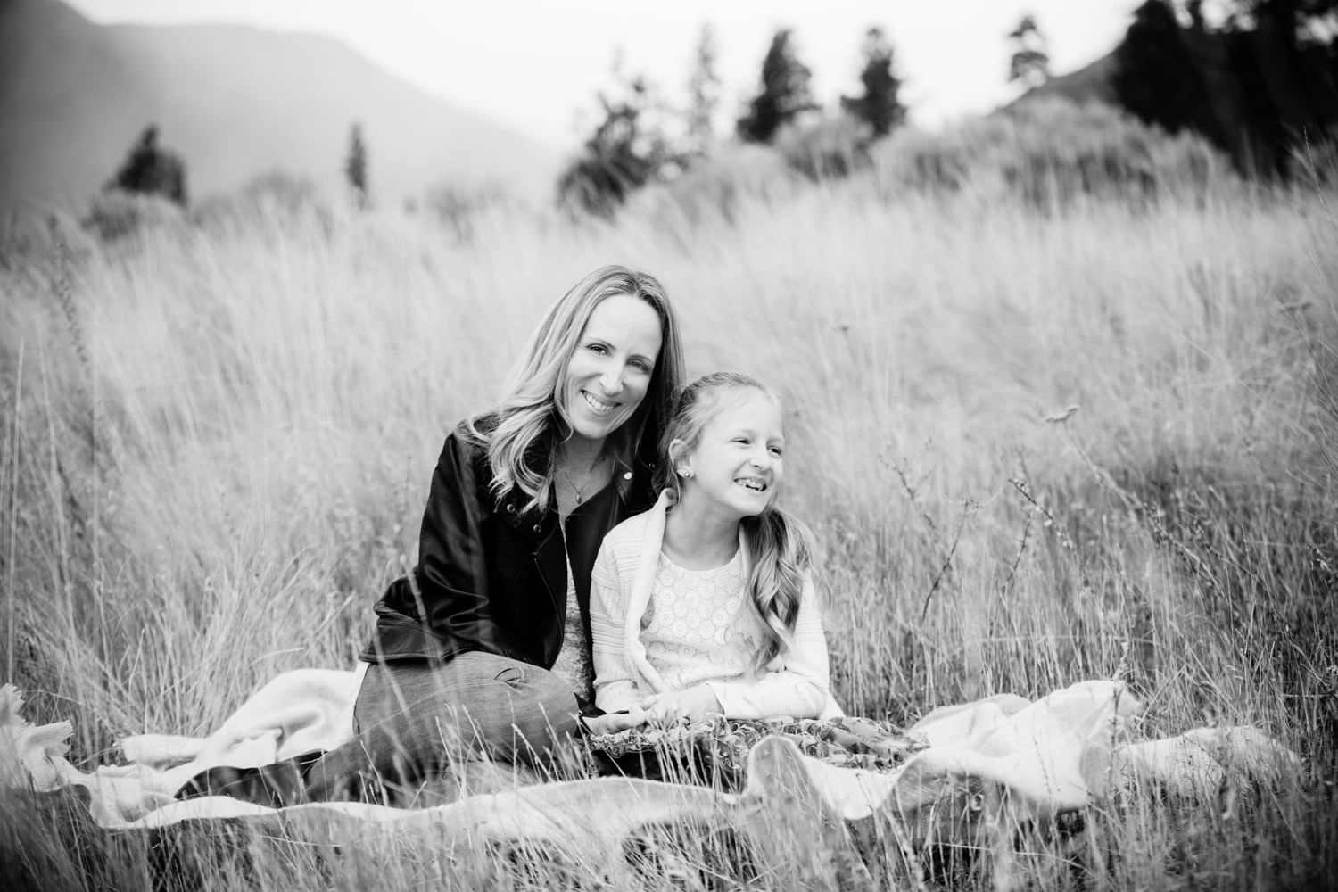 knox-mountain-family-photos-knox-mountain-photographer-knoz mountain-kelowna-bc-knox-moutain-mother-daughter-photography-by-julie-dorge (2 of 27).jpg