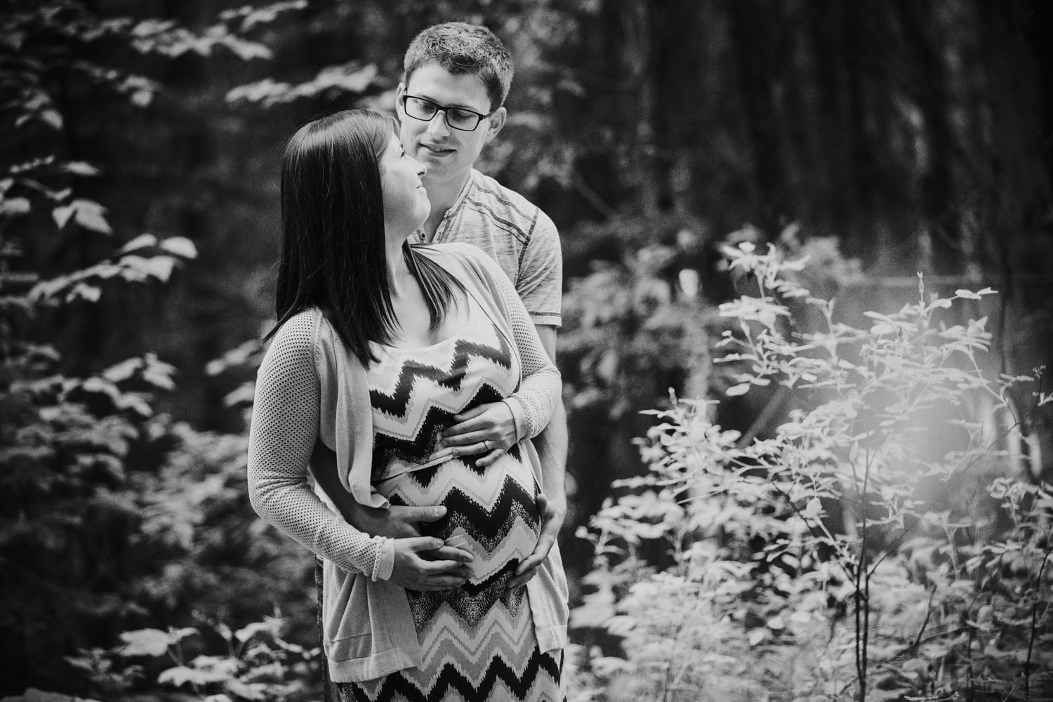 quesnel-bc-ten-mile-lake-maternity-session-quesnel-maternity-photographer-kelowna-maternity-photographers-okanagan-meternity-photographer (11 of 32).jpg