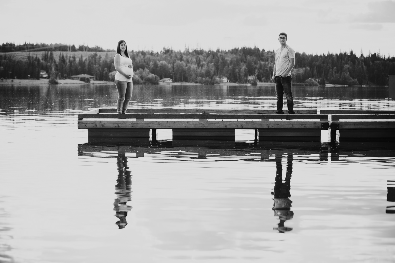 quesnel-bc-ten-mile-lake-maternity-session-quesnel-maternity-photographer-kelowna-maternity-photographers-okanagan-meternity-photographer (20 of 32).jpg
