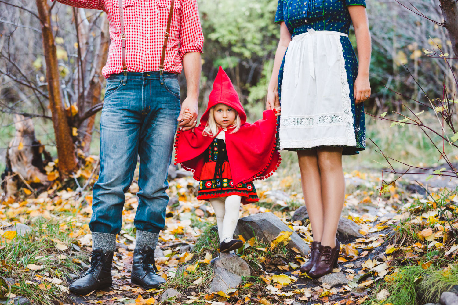 kelowna-halloween-family-photoshoot-little-red-riding-hood-photography-okanagan-halloween-family-photographers-julie-dorge (27 of 27).jpg