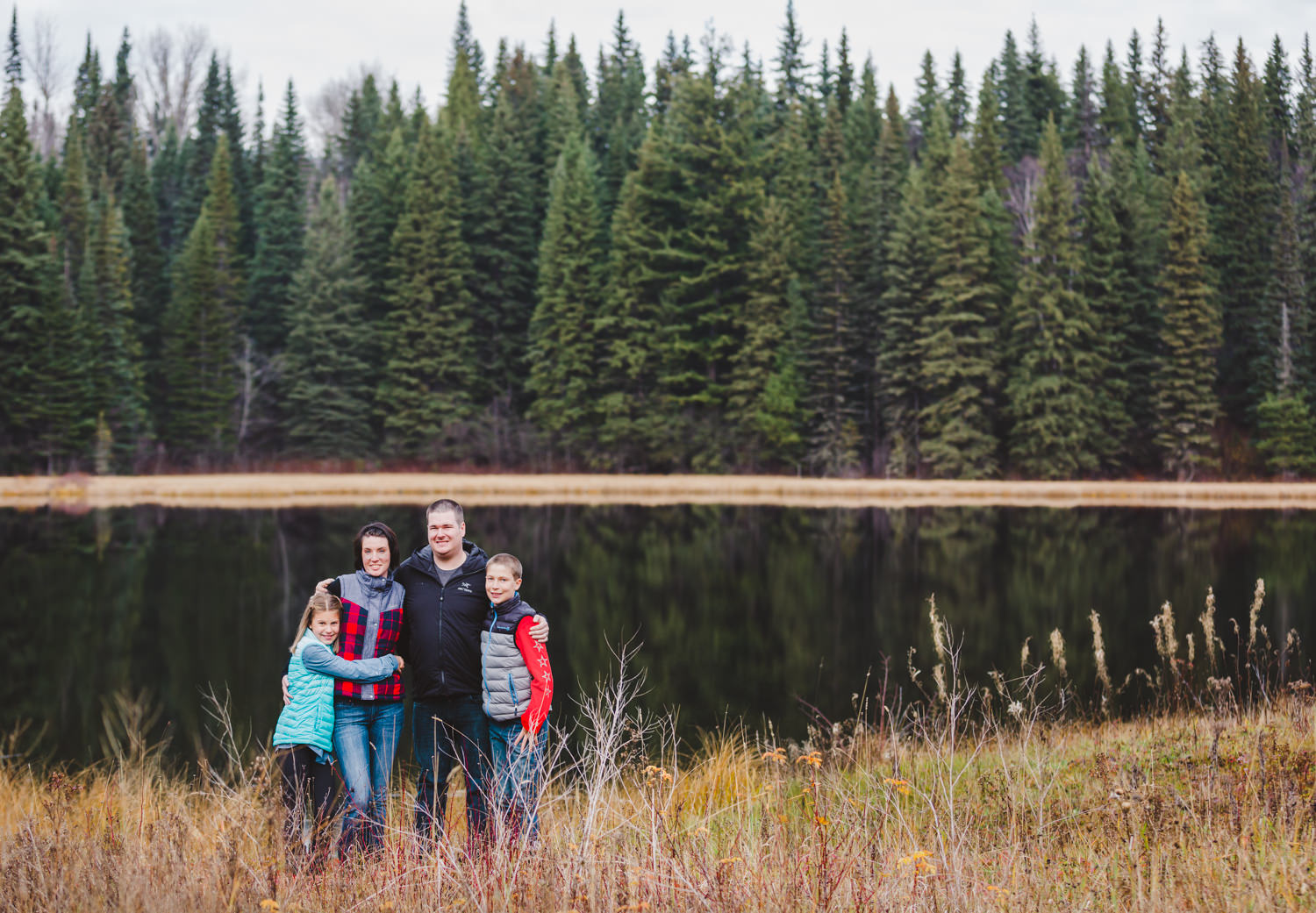 quesnel-family-photographers-quesnel-family-photography-cotton-wood-river-quesnel-bc-kelowna-photographer-julie-dorge (7 of 48).jpg