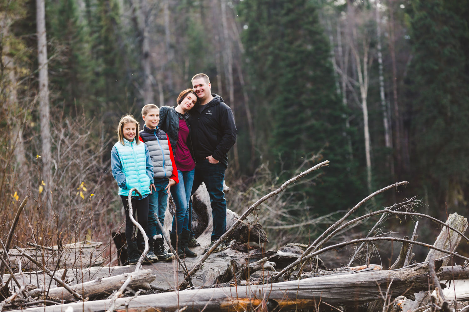 quesnel-family-photographers-quesnel-family-photography-cotton-wood-river-quesnel-bc-kelowna-photographer-julie-dorge (18 of 48).jpg