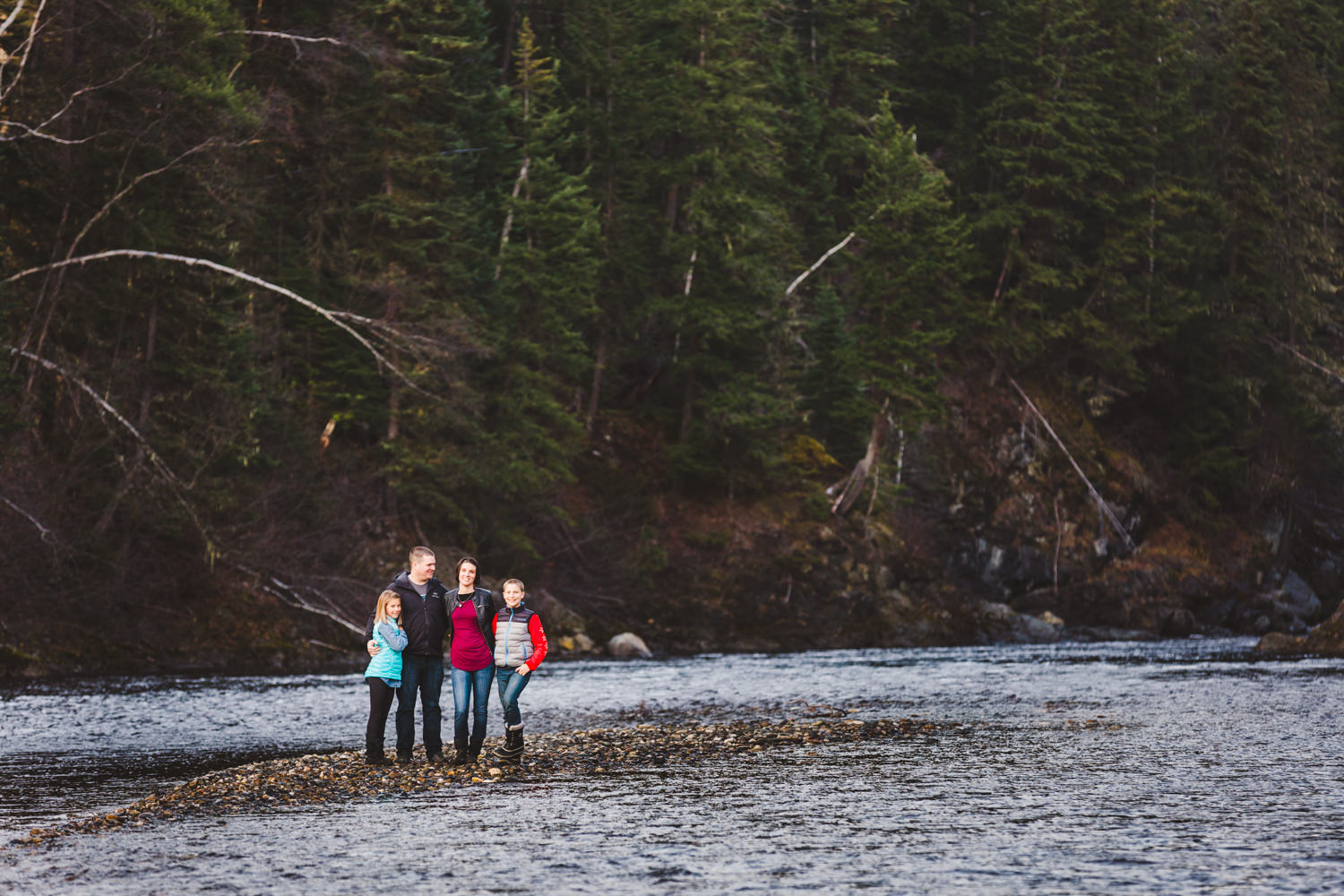 quesnel-family-photographers-quesnel-family-photography-cotton-wood-river-quesnel-bc-kelowna-photographer-julie-dorge (31 of 48).jpg