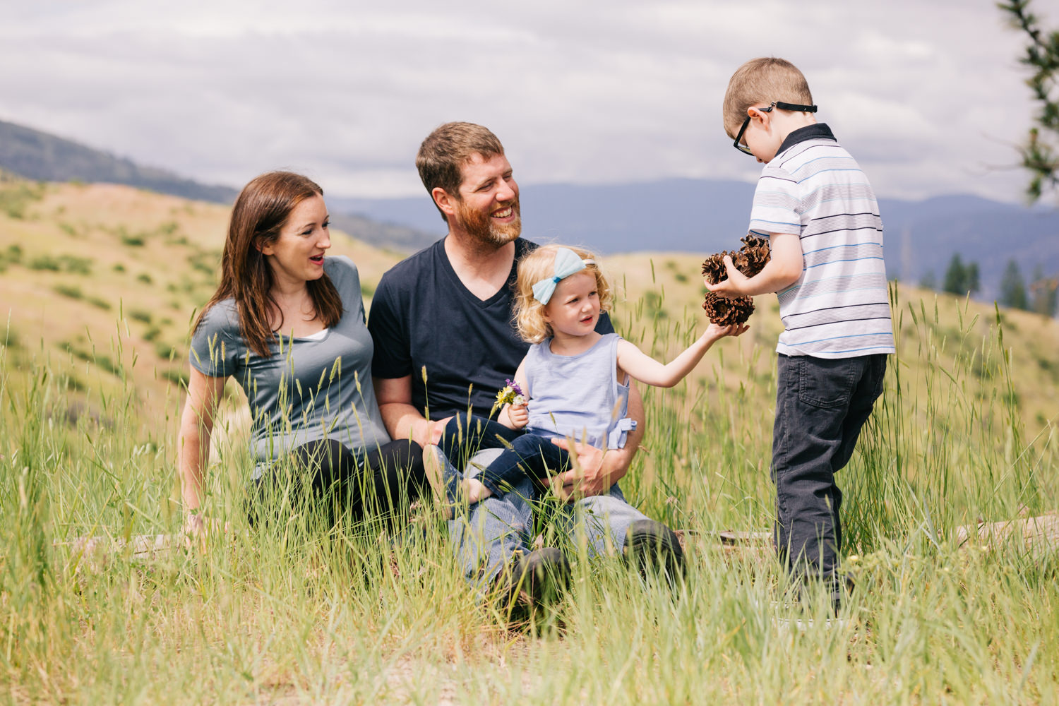 quilchena-park-family-photography-quilchena-park-lifestlye-family-photographer-julie-dorge (51 of 56).jpg