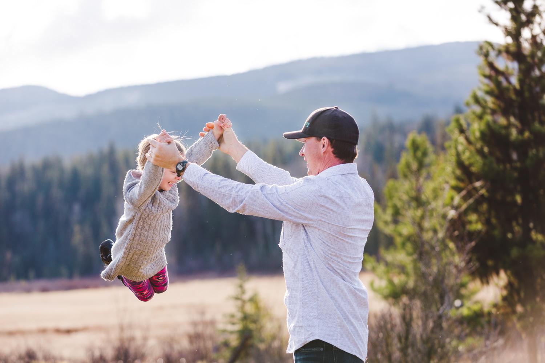 kelowna-outdoor-family-photography-family-advernture-photographers-okanagan-bc-kids-photos-julie-dorge (13 of 58).jpg