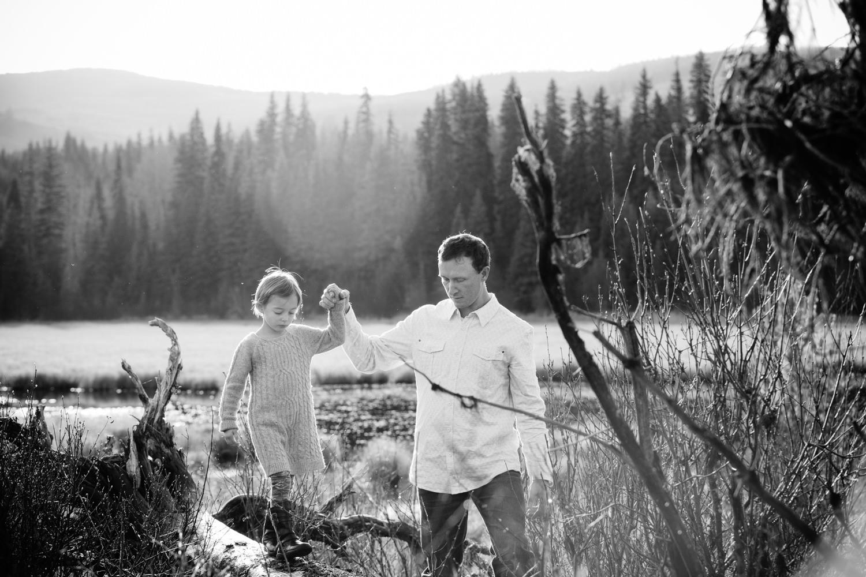 kelowna-outdoor-family-photography-family-advernture-photographers-okanagan-bc-kids-photos-julie-dorge (48 of 58).jpg