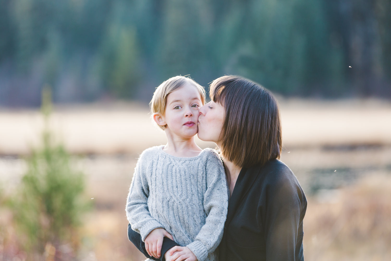 kelowna-outdoor-family-photography-family-advernture-photographers-okanagan-bc-kids-photos-julie-dorge (53 of 58).jpg