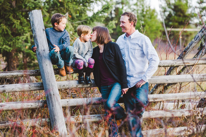 kelowna-outdoor-family-photography-family-advernture-photographers-okanagan-bc-kids-photos-julie-dorge (55 of 58).jpg