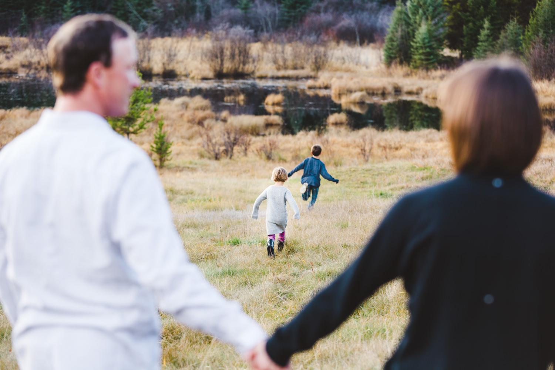 kelowna-outdoor-family-photography-family-advernture-photographers-okanagan-bc-kids-photos-julie-dorge (57 of 58).jpg