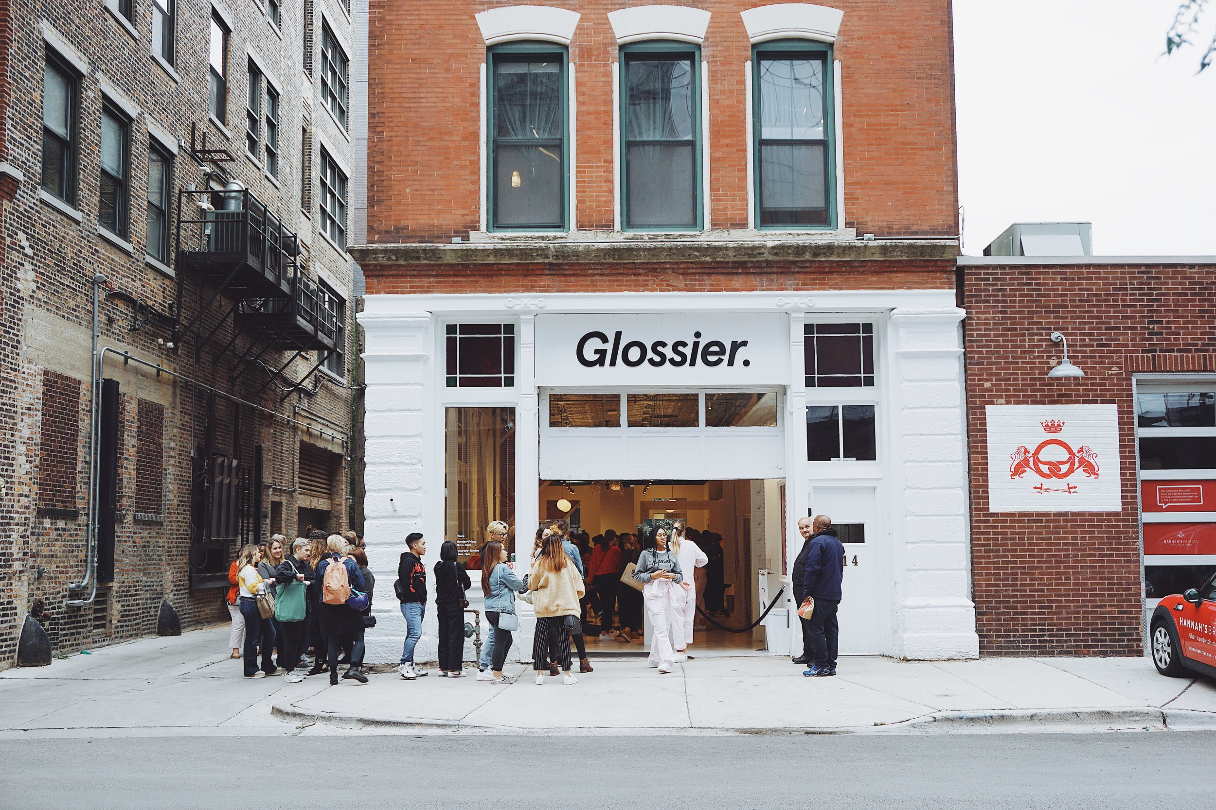 glossier pop up in chicago