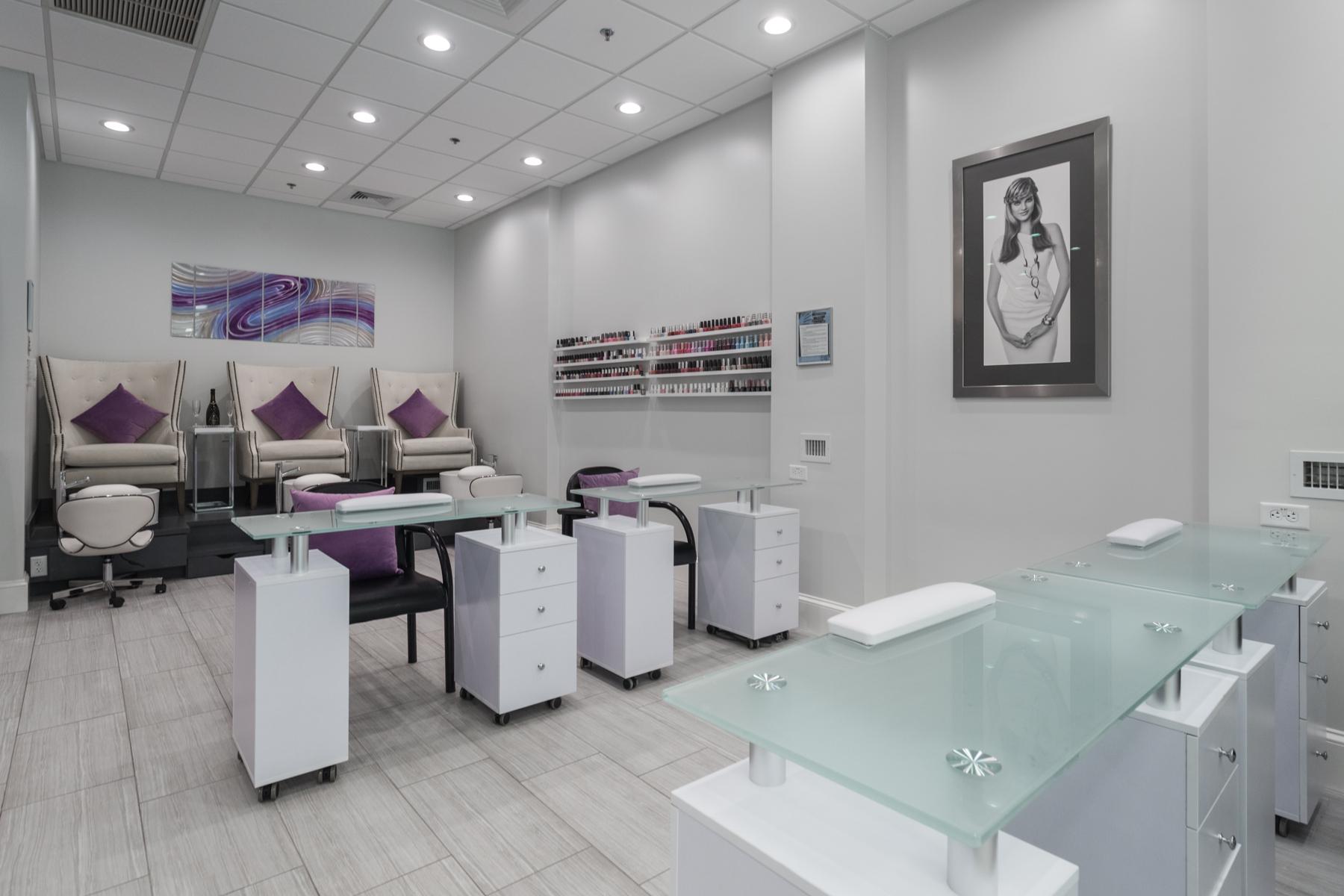 Luxury Nail & Pedicure Lounge
