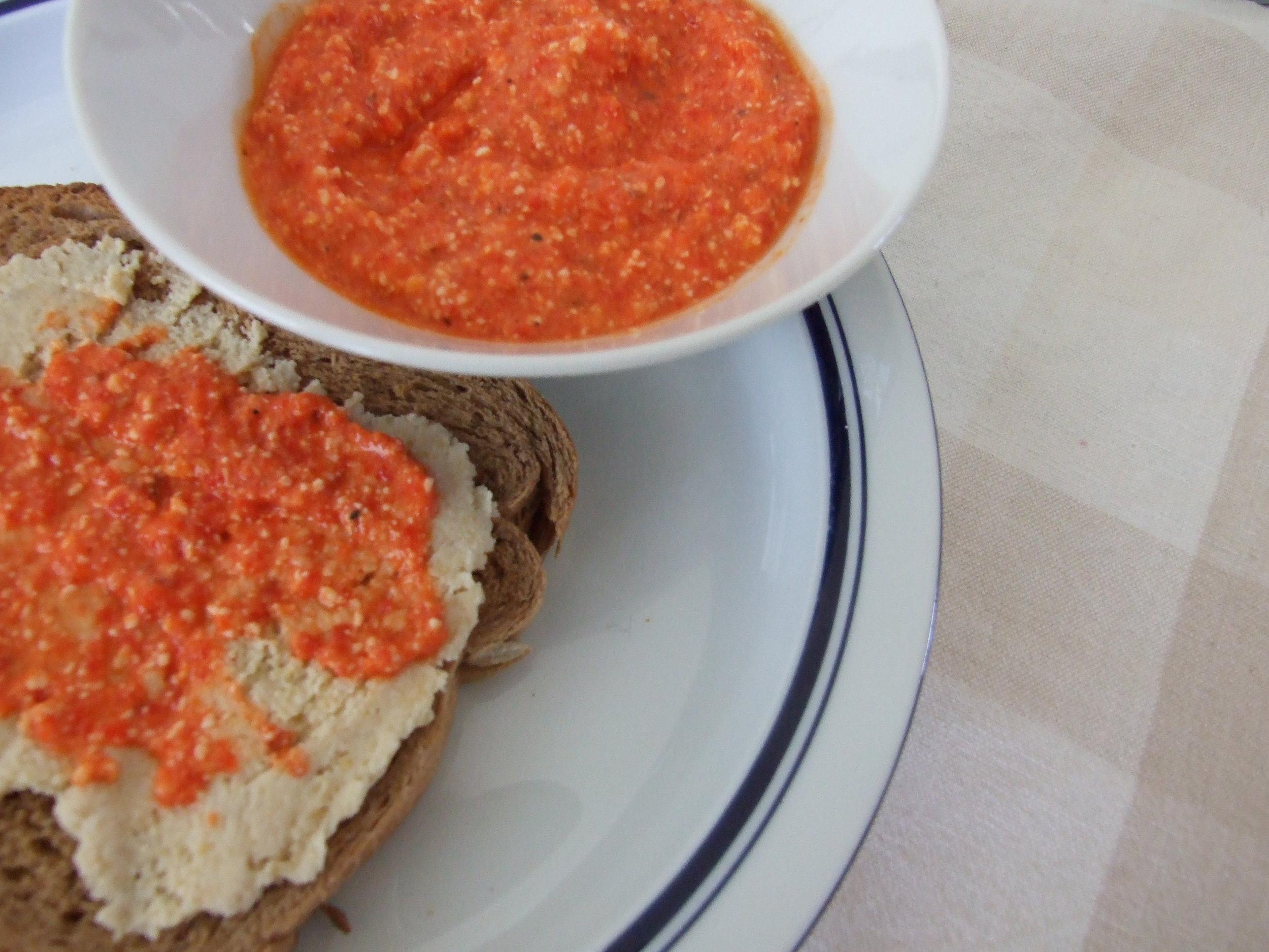 red_pepper_sauce.jpg