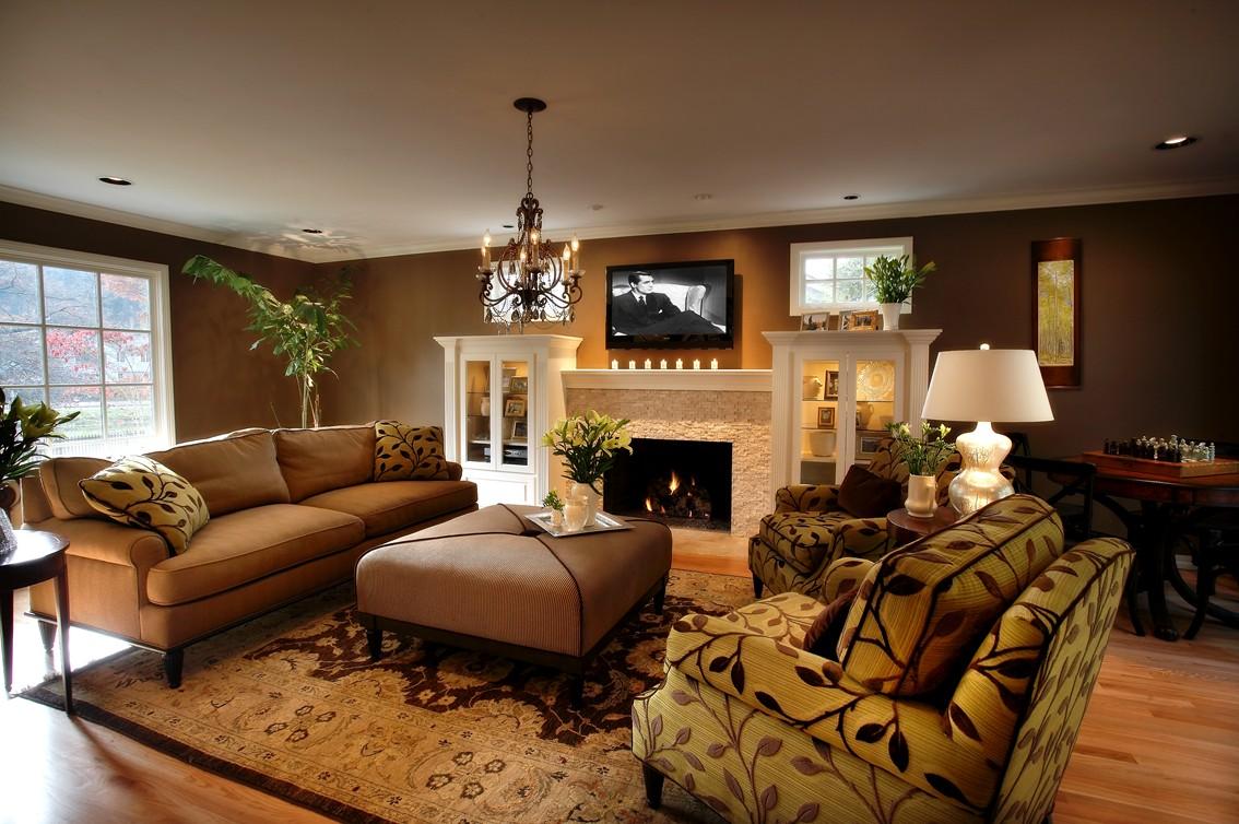 wrenns living room.jpg
